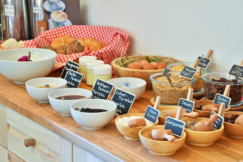 Biologisches Bauernhoffrühstück auf dem Kircherhof in Brixen/Südtirol