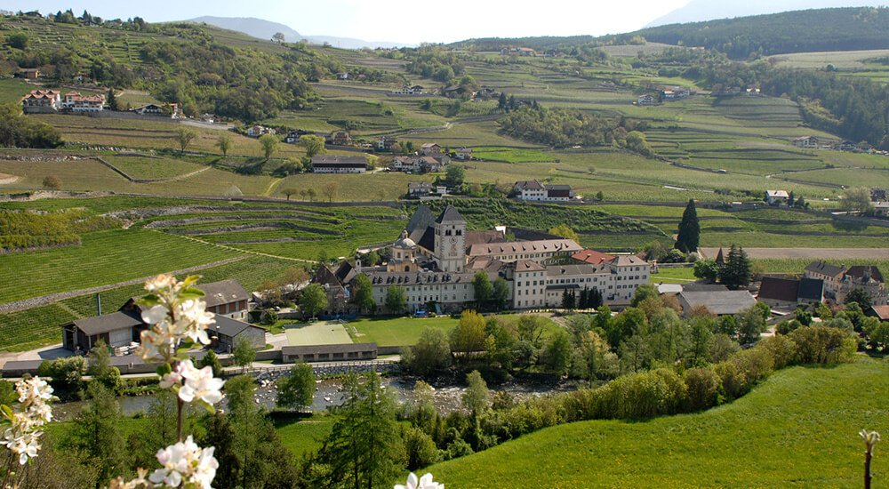 Stunning destinations in the environs of San Leonardo