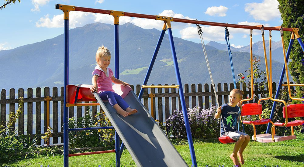 Varied farm holidays with children in South Tyrol